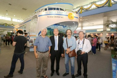 An Thinh Tourist and Hoa Binh Tourist paid attention at VITM 2015